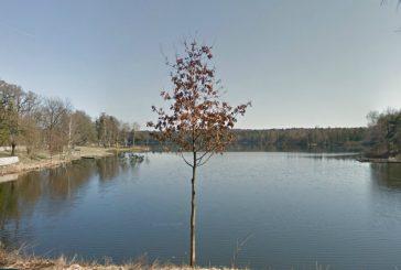 Z Hradce ke Staňkovskému rybníku