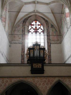 kostel-varhany
