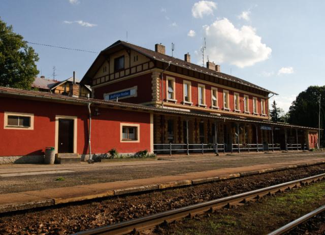 Jindrichuv_hradec,_vlakove_nadrazi