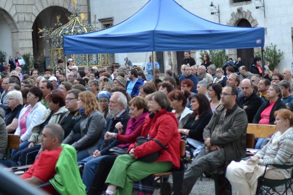Fotila Amálie Buřilová: Folková růže v pátek a v sobotu