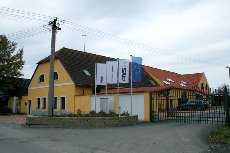 RM Projekt s.r.o. - Stavební úpravy bývalého statku v obci Radouňka