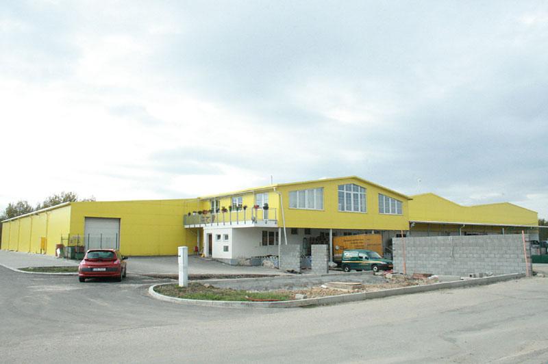 RM Projekt s.r.o. - Novostavba velkoskladu v Jindřichově Hradci včetně administrativní části firmy ZC s.r.o.