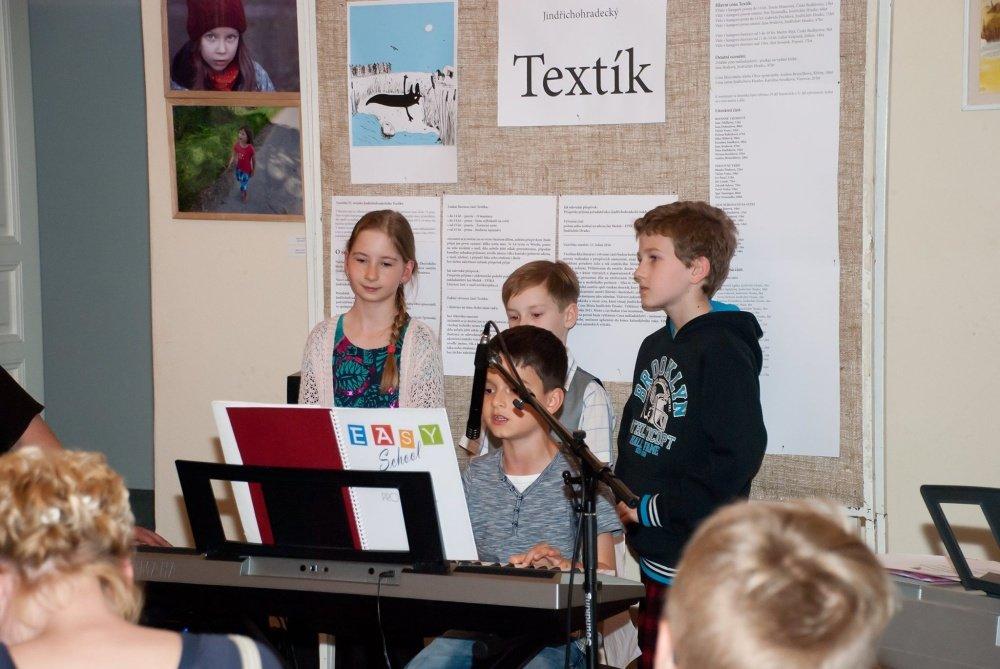 Fotogalerie: Besídka hudební školy EASY school
