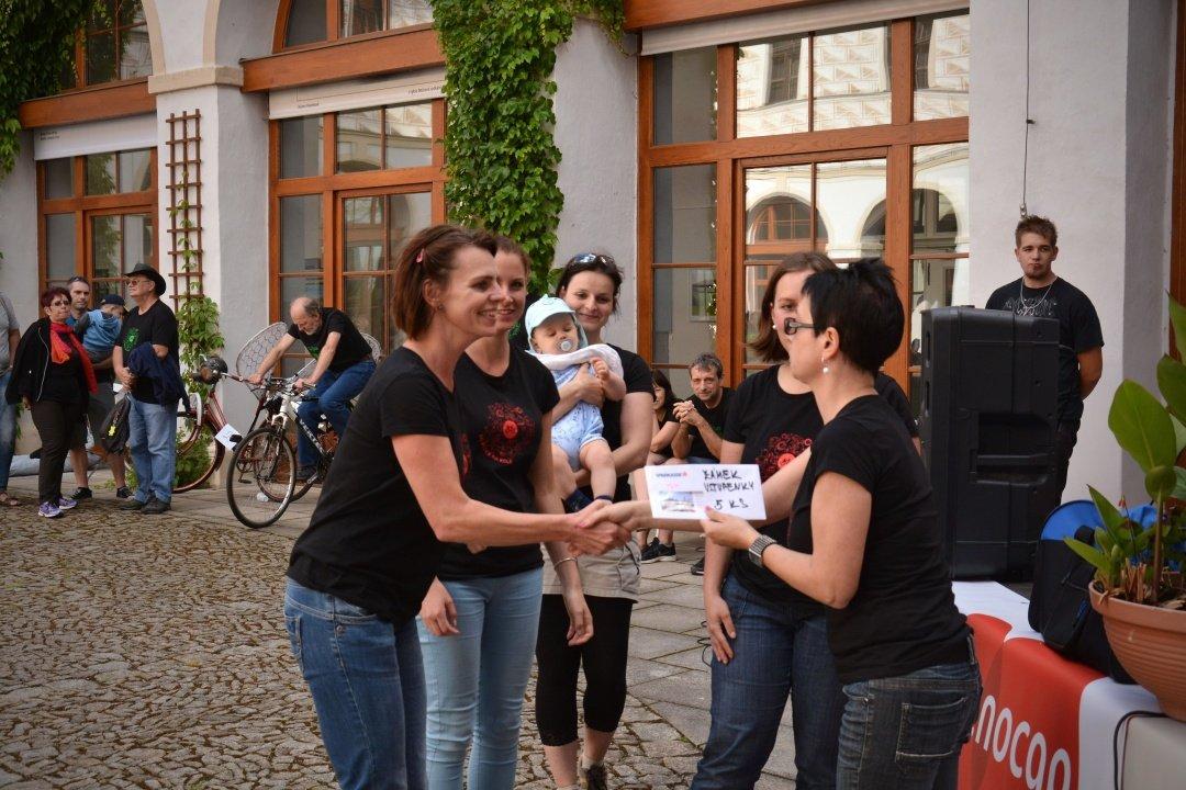 Do práce na kole: Nikolka celkem obdrží rovných 50. 000 korun