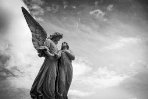 Anděl cemetery-1655378_1280