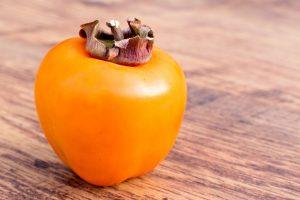 Kaki je hvězdou předvánoční nabídky ovoce (Naturhouse doporučuje)