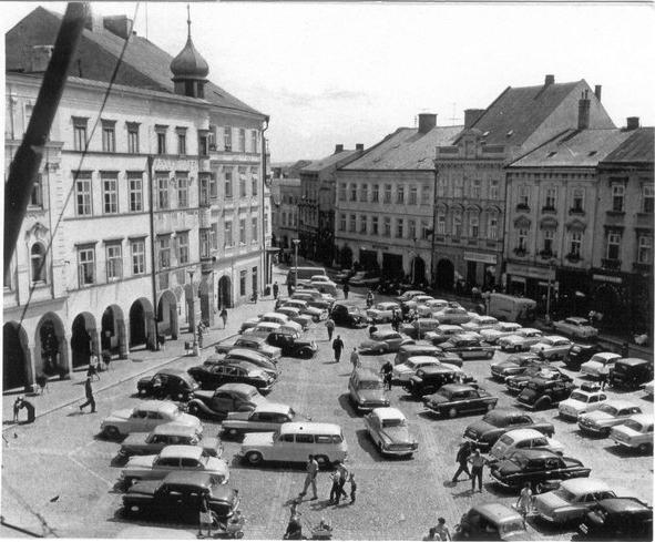 namesti_miru_cerven_1965 historické foto jindrichuv hradec