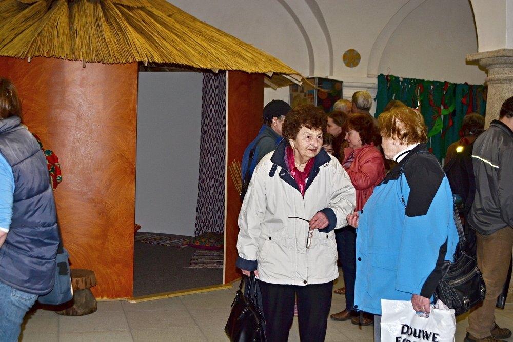 Fotila Amálie: Zahájení výstavní sezóny v hradeckých muzeích a galeriích