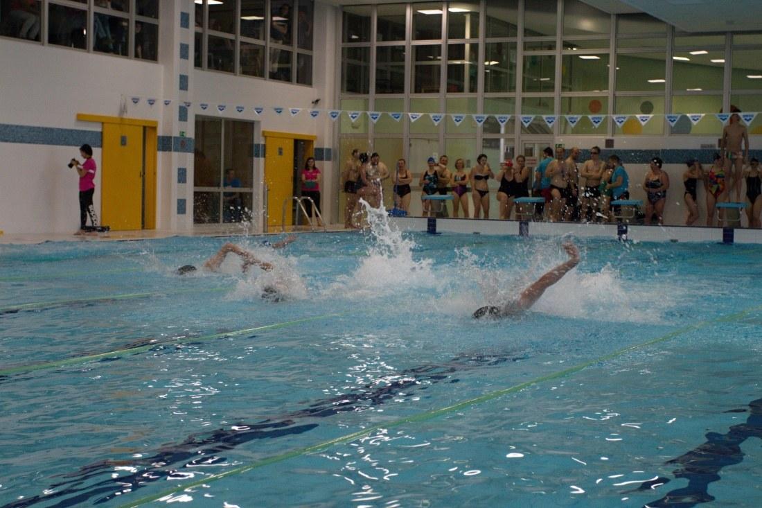 Na velikonoční plavecké štafety postavilo TCV J. Hradec čtyři štafety