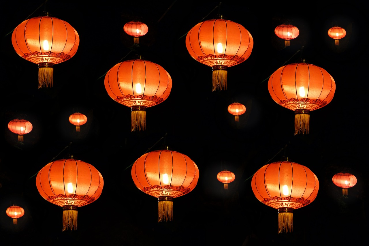 https://pixabay.com/cs/lampion-čína-asie-dekorace-lampy-1509663/