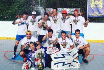 Angry Bulls vyhráli potřetí v řadě Městskou ligu hokejbalu