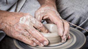 hrnčíř keramika hands-1139098_1280