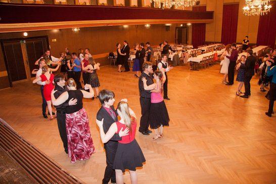 Taneční klub Pelhřimov pořádá pro Hradečáky taneční kurzy