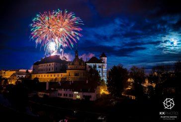OBRAZEM: Novoroční ohňostroj v Jindřichově Hradci