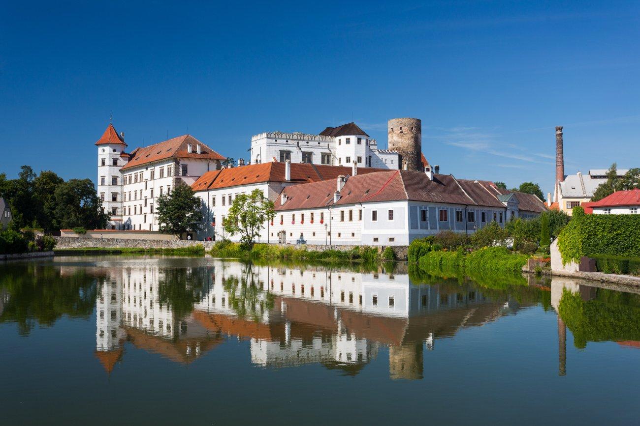 Státní hrad a zámek Jindřichův Hradec_pohled přes Malý Vajgar