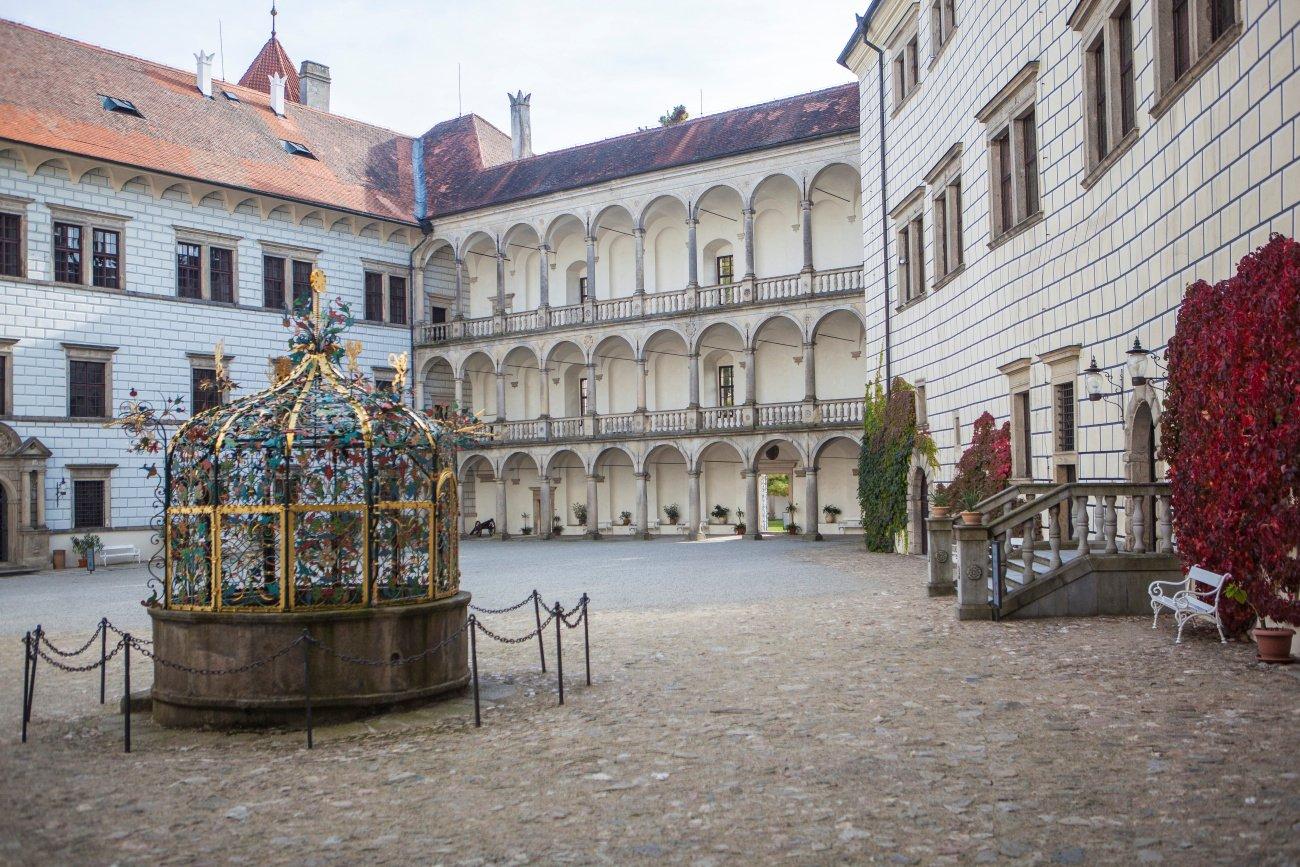 Státní hrad a zámek_třetí nádvoří