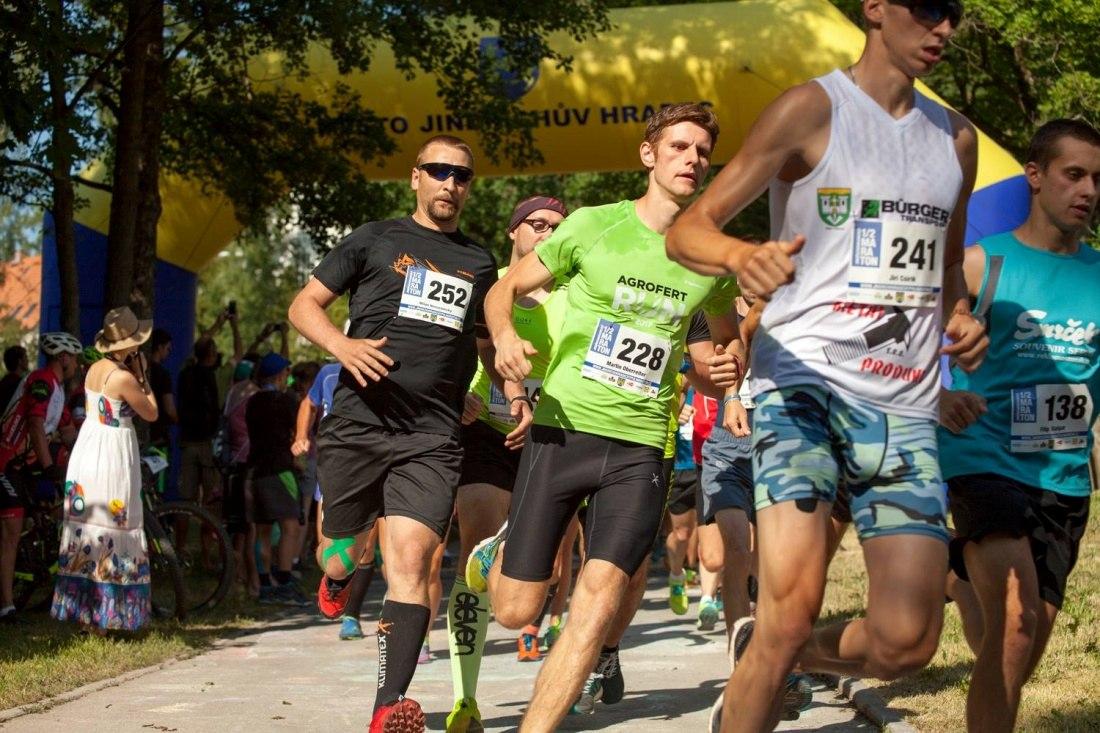 Společně do cíle Jindřichohradeckého půlmaratonu