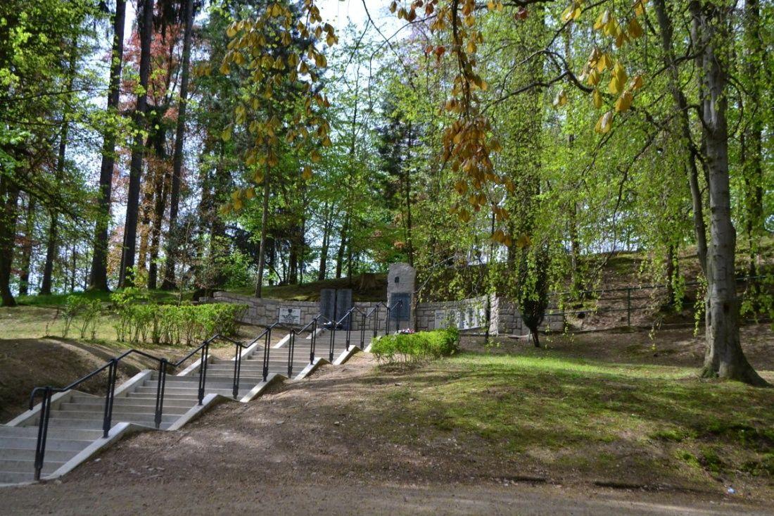 Dosadba stromů v Mertových sadech