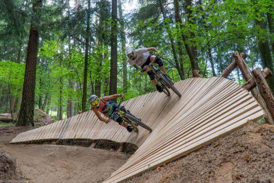 V bikeparku Hradiště si zajezdíte již tento víkend (video)