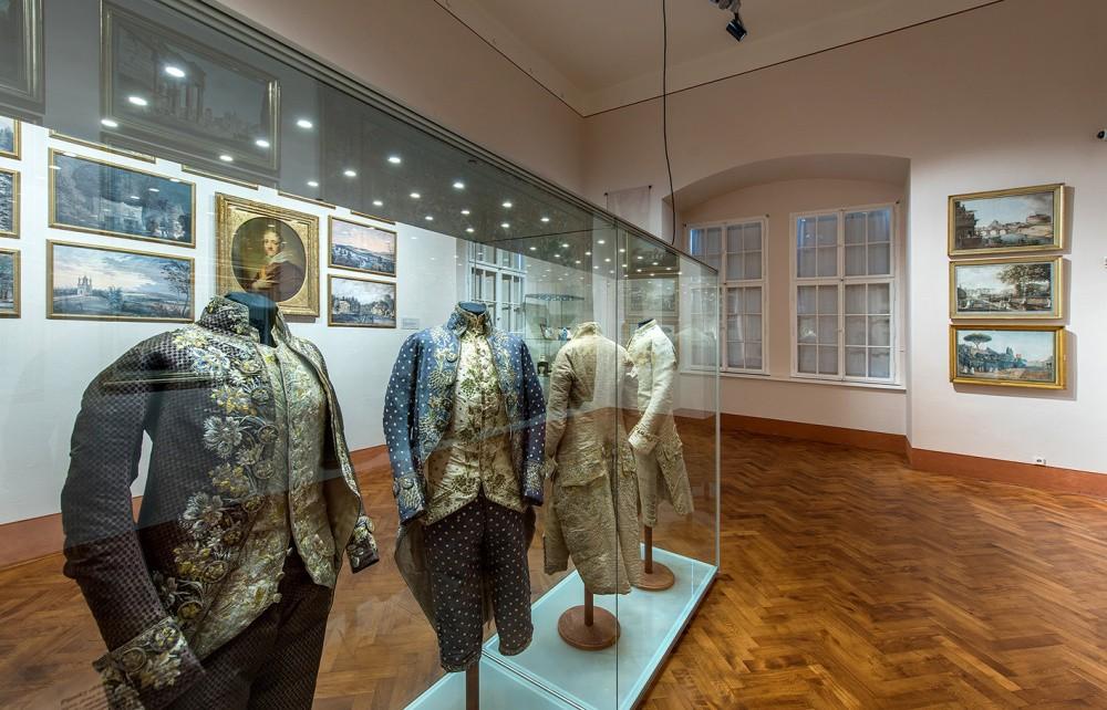 Výstava Dokonalý diplomat pokračuje i v listopadu