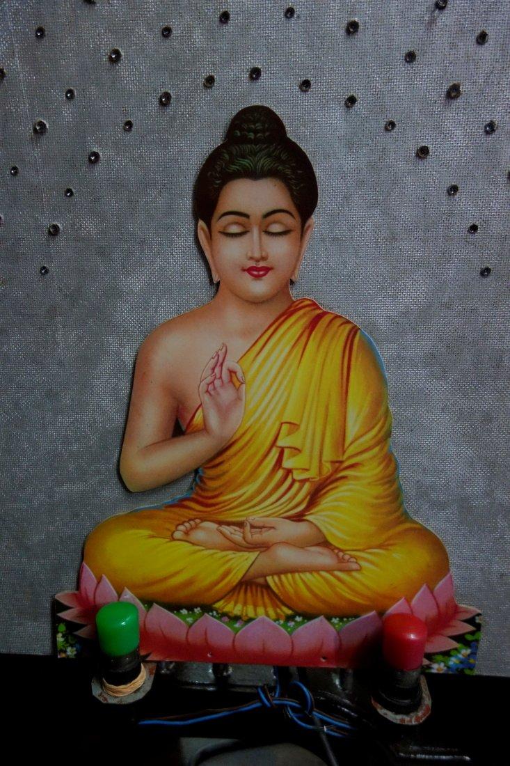 Srí Lanka – Púdža vchrámu Buddhova zubu a nenasytný mnich (cestování s Kateřinou Duchoňovou #8)_Kandy8