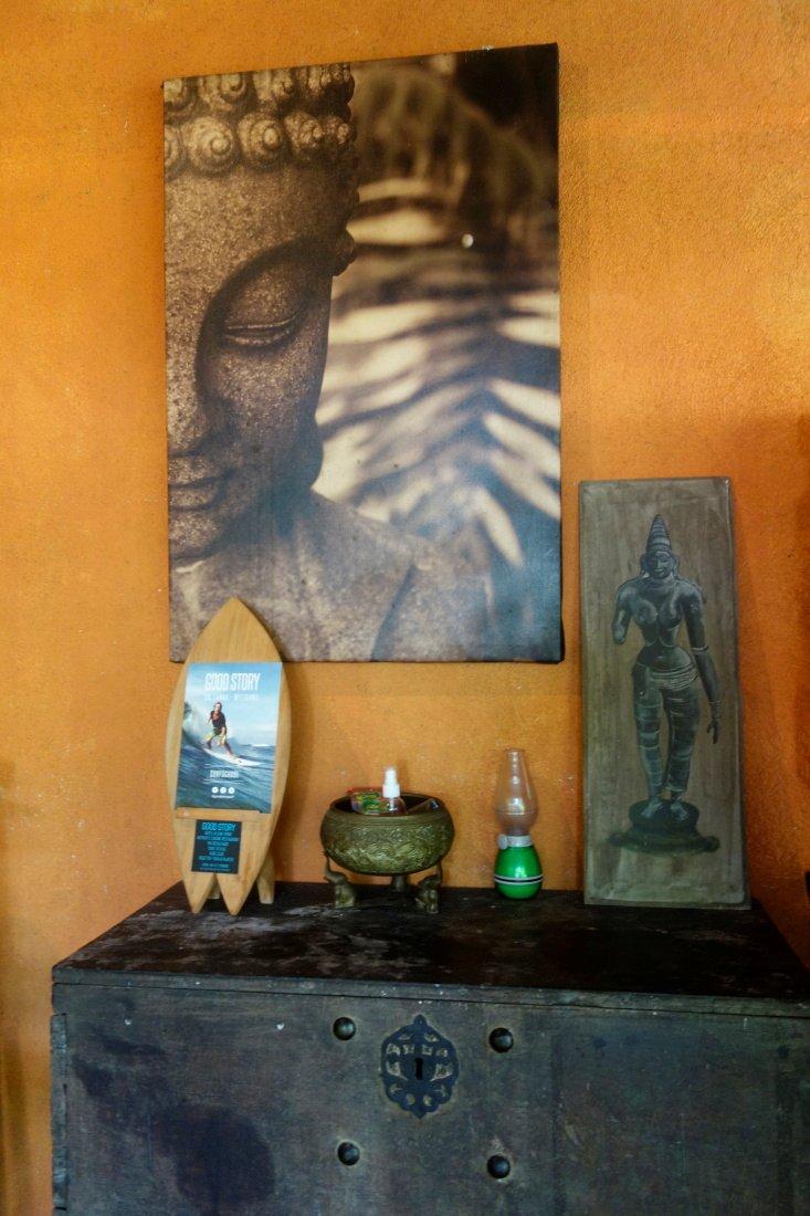 Srí Lanka – Púdža vchrámu Buddhova zubu a nenasytný mnich (cestování s Kateřinou Duchoňovou #8)_SriLanka1