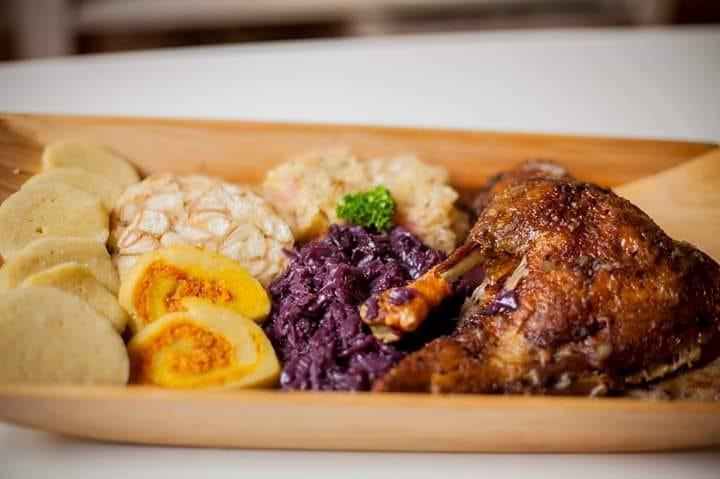Restaurace u Lucerny zve na Svatomartinské hody