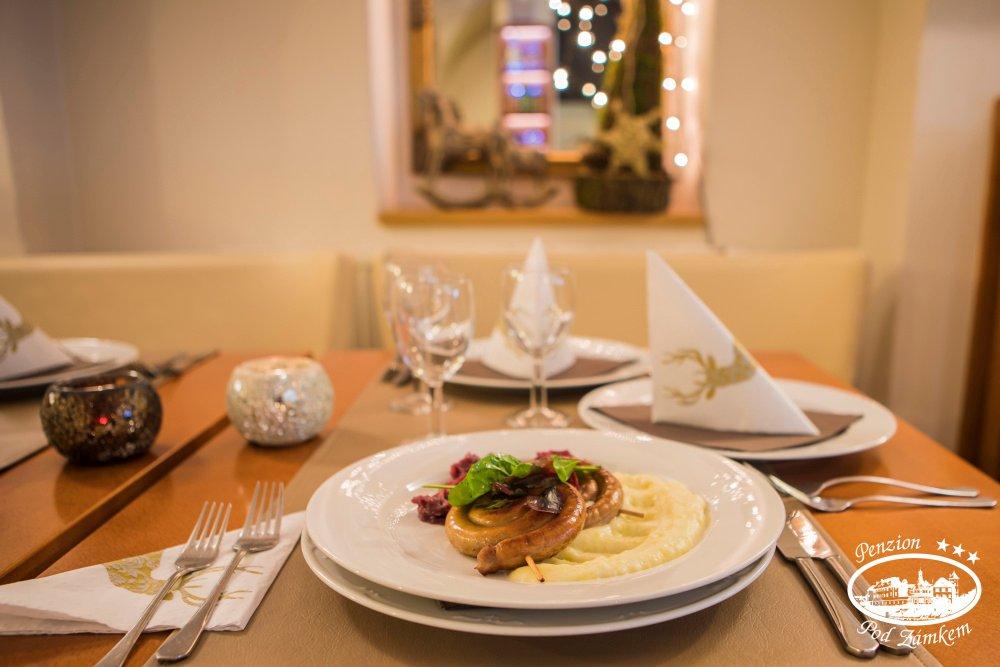 Adventní a zvěřinové menu v restauraci Pod Zámkem