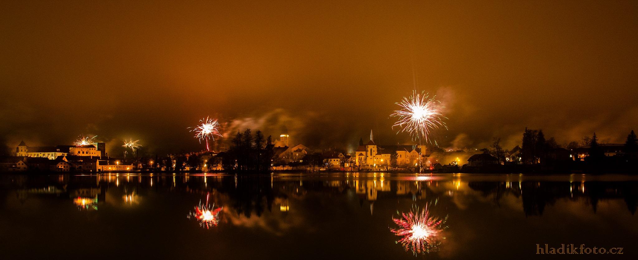 Novoroční ohňostroj v Jindřichově Hradci - Foto: Stanislav Hladík