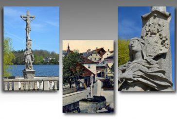 Sousoší Ukřižovaný s Matkou Bolestnou (Jindřichohradecké sochy a památníky #2)