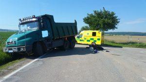 Vážná dopravní nehoda - mladý motorkář podlehl zranění