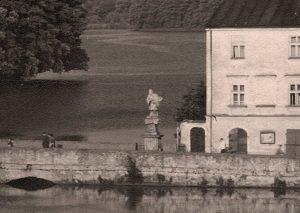 Svatý Jan Nepomucký na mostech (Jindřichohradecké sochy a památníky #4)