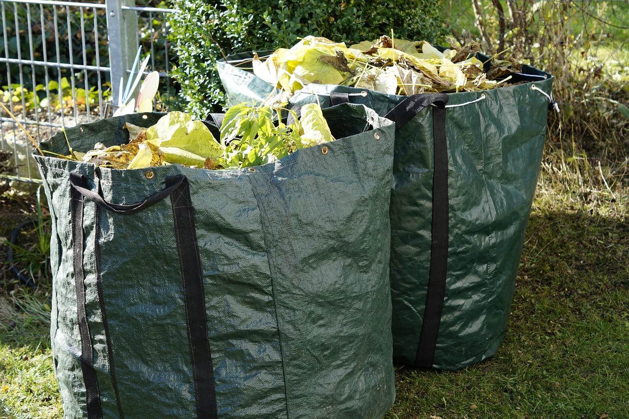 Ve městě přibývají další nádoby na bioodpad, kovy a oleje