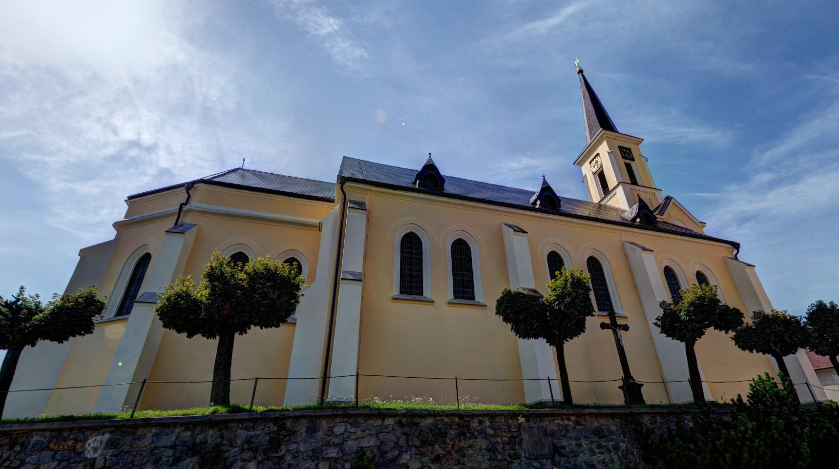 kostel sv. Filipa a Jakuba v Žirovnici