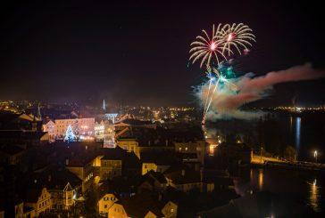 OBRAZEM: Novoroční ohňostroj v Jindřichově Hradci 2020