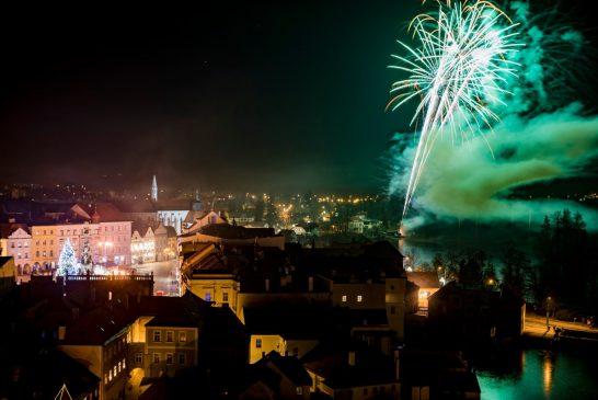 OBRAZEM: Novoroční ohňostroj v Jindřichově Hradci 2020 - Martin Kozák