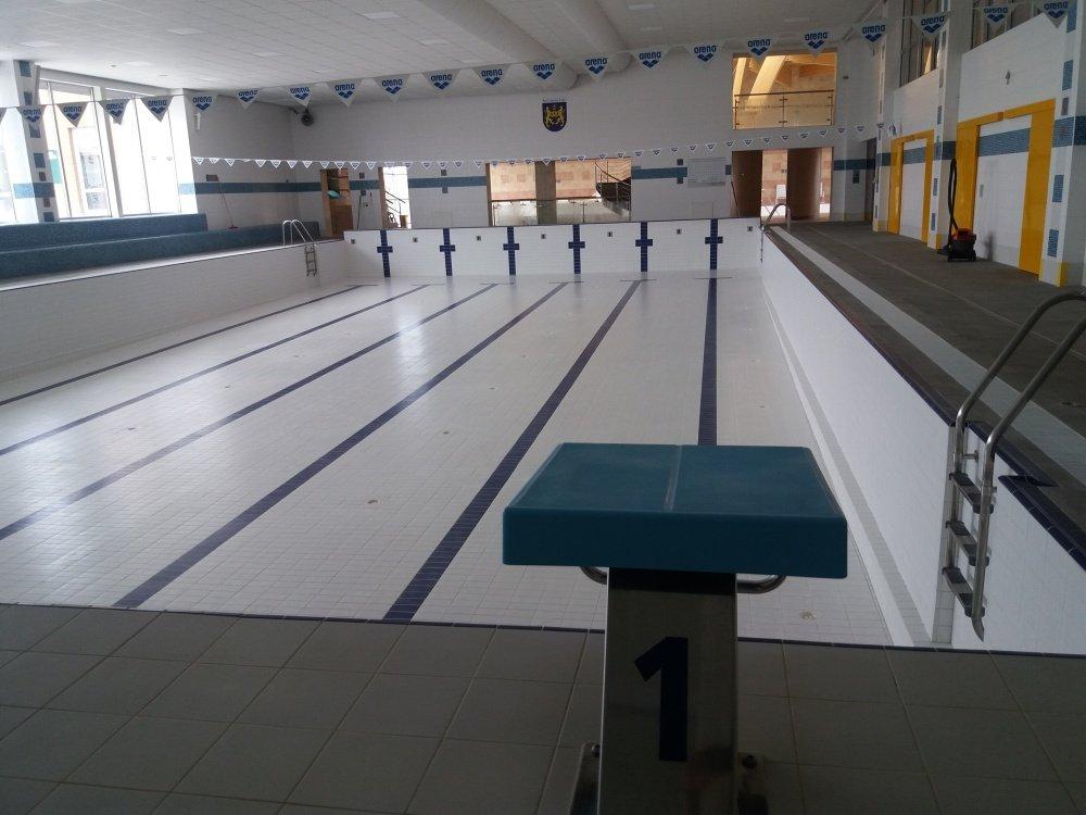 Po 2 měsících zůstávají bazény vypuštěny