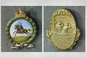 Výstava válečných čepicových odznaků
