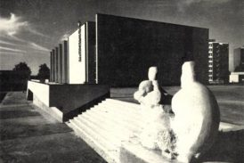 Mateřství (Jindřichohradecké sochy a památníky)